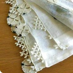 Such lovely needle-weaving edging. Or is it crochet? Crochet Towel, Diy Crochet, Irish Crochet, Needle Lace, Bobbin Lace, Embroidery Needles, Ribbon Embroidery, Crochet Chart, Crochet Stitches