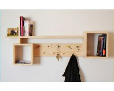 I could use elements from this design and the one I found on Houzz on New Year's Day! Pallette Furniture, Diy Pallet Furniture, Small Furniture, Wood Furniture, Furniture Design, Wall Decor Design, Wall Shelves Design, Wood Wall Shelf, Minimalist Decor