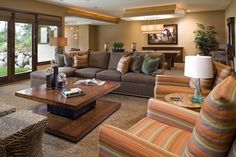 Casual and Comfortable Family Room Design Ideas