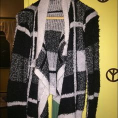 Cardigan Very warm cardigan. Hangs long in the front Charlotte Russe Sweaters Cardigans