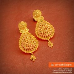 for kerala traditional gold earrings Gold Jhumka Earrings, Gold Earrings Designs, Gold Jewellery Design, Gold Jewelry, Bridal Jewellery, Jewellery Earrings, Gold Bangles, Cartier Jewelry, Handmade Jewellery