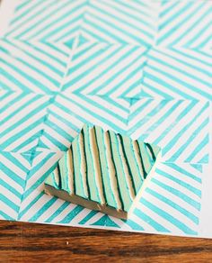 DIY: custom rubber stamp Let's face it, store bought stamps are too expensive. Learn how to make this DIY Rubber Stamp in ten minutes or less. Motifs Aztèques, Homemade Stamps, Stencil Decor, Stencils, Stamp Carving, Custom Rubber Stamps, Diy Calendar, Fabric Stamping, Diy Projects To Try