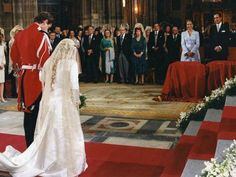 Lace Wedding, Wedding Dresses, Fashion, Home, Wedding Dress Lace, Best Wedding Dresses, Groom Pictures, Daytime Wedding, Bride Dresses