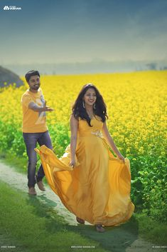 A Photo Shoot That Reminds Us Of A Typical Maniratnam Movie Indian Wedding Couple Photography, Wedding Couple Poses Photography, Couple Photoshoot Poses, Girl Photography Poses, Wedding Photoshoot, Modelling Photography, Indian Photoshoot, Wedding Shoot, Wedding Couple Pictures