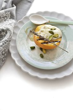Grilled peaches with mascapone cream