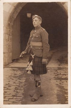 +~+~ Antique Photograph ~+~+  Private Hadley - Argyll and Sutherland Highlanders.