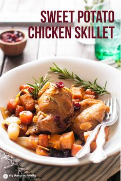 Sweet Potato Chicken Skillet Recipe {Paleo, Clean Eating, Gluten Free, Dairy Free} - My Natural Family (Paleo Lasagna Dairy Free) Clean Eating Recipes For Dinner, Paleo Dinner, Dinner Recipes, Dinner Ideas, Chicken Skillet Recipes, Skillet Meals, Chicken Meals, Healthy Chicken, Paleo Recipes