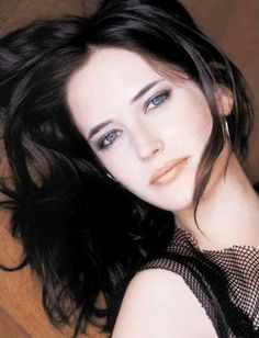 EVA GREEN - so pretty! love her and the intensity she brings to her characters- - QUEEN