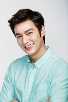 Lee Min Ho made a generous donation during his recent visit to mainland China. - Lee Min Ho made a generous donation during his recent visit to mainland China. New Actors, Actors & Actresses, Lee Min Ho Kdrama, Lee Min Ho Photos, Kdrama Actors, Kim Woo Bin, Lee Jong Suk, New Poster, Asian Actors