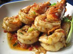 Gung Tod Gratiem Prik Thai (Fried shrimp with garlic and pepper)