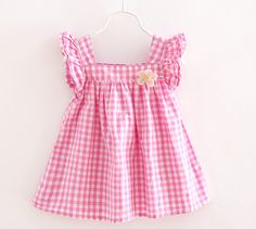 Hopscotch - Daily finds for babies, kids and moms. Little Miss Dress, Little Girl Outfits, Kids Outfits, Baby Girl Dress Patterns, Baby Clothes Patterns, Frocks For Girls, Kids Frocks, Baby Girl Dresses Diy, Girls Frock Design