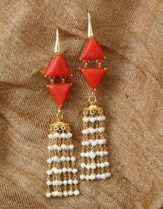 Gehna offer to sell The classic red coral and pearl come together in this playful pair of earrings, handcrafted in 18k gold online in Chennai.