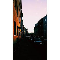 Sunrise. #sunrise #sun #architecture #arch #houses #veneer #veneers #cars #view #views #sky #sky_captures #skyporn #skies #goldenskies #vsco #vscocam #pictureoftheday #potd #igdaily #follow #quietthechaos #bleachmyfilm #postmypicsticks #l0tsabraids #featureellie #offtherailsmag #cheadsmagazine #igersgermanyofficial by theycallme_teee Our Dental Veneers Page: http://www.lagunavistadental.com/services/cosmetic-dentistry/veneers/ Other Cosmetic Dentistry services we offer…