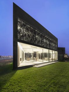 Villa Kavel in Amsterdam, The Netherlands designed by Studioninedots. © Peter Cuypers