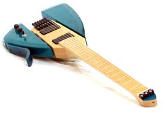 Murray Kunn Luthier - Modena Headless scale - 2 of 2 Guitar Body, Music Guitar, Cool Guitar, Custom Bass Guitar, Custom Guitars, Ukulele Stand, Guitar Crafts, Electro Acoustic Guitar, Guitar Rack