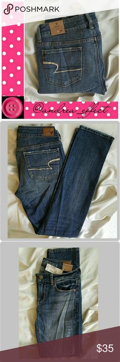 American Eagle Skinny. Size 4. NWT Distressed look jeans. American Eagle Outfitters Jeans Skinny