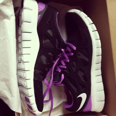 nike purple shoes
