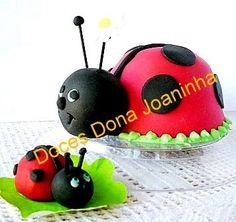 Minibolo e bombom Joaninha  Lady Bug mini cake and chocolate candy  Bolos Decorados Atelier de Doces Dona Joaninha