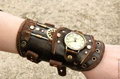 Steampunk wrist watch leather steampunk wristband steampunk bracelet whith watch in brown leather - Watch - Ideas of Watch - Viktorianischer Steampunk, Design Steampunk, Steampunk Gadgets, Steampunk Clothing, Steampunk Fashion, Gothic Fashion, Style Fashion, Steampunk Assassin, Plus Size Steampunk