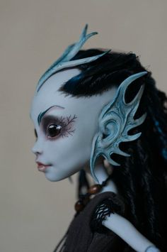 One of the coolest diy mh dolls I've ever seen
