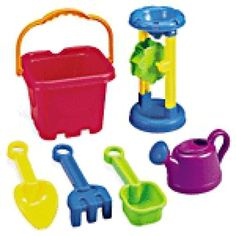Top 10 Summer Baby Products for the Pool or Beach: International Playthings Castle Sand Bucket Set
