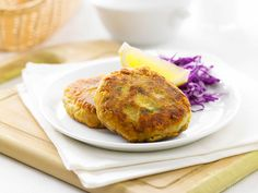Salmon and Avocado Patties | Australian Avocados  ... my avocado tree is going C-R-A-Z-Y with fruit ... these salmon n avocado patties are yum-lishess :)