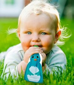 Get baby food savvy with Squooshi reusable food pouch