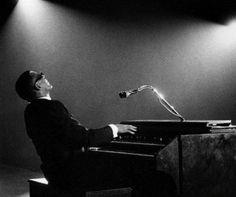 Ray Charles playing a Hammond organ