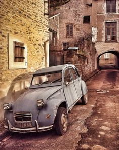 2cv 2cv6, Beauty Around The World, Old Cars, Cars And Motorcycles, Luxury Cars, Automobile, France, Wheels, Vehicles
