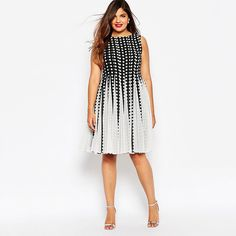 Plus size dress – Fitted dress with large size and flare knit mesh app Midi dress - Dresses for Teens Glamouröse Outfits, Summer Dress Outfits, Casual Summer Dresses, Dresses For Teens, Plus Size Dresses, Plus Size Outfits, Dress Casual, Plus Zise, Mode Plus