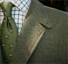 Shooting suit with a hunting dog tie  abbey-clothing.co.uk