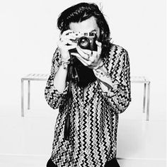Harry's display picture in Twitter 2015.
