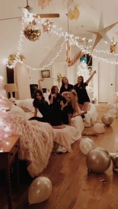 sleepover goals Slumber Party Ideas That Kids Will Love Video not supported for your browser Photos Bff, Best Friend Pictures, Bff Pictures, Friend Pics, Soirée Pyjama Party, Pyjamas Party, Fun Sleepover Ideas, Girls Sleepover Party, Sleepover Room