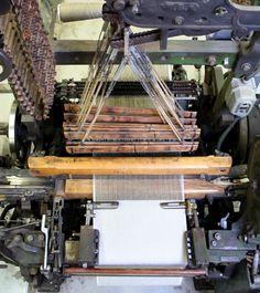 Old Looms. Weaving linen at Växbo Lin.