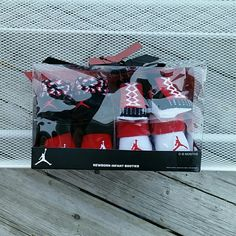 Infant Jordans Booties Gift Set 0-6M BNIB Infant Jordans Booties Gift Set 0-6M. BNIB. Beautiful gift set. 100% Authentic Jordans for infants **Price ABSOLUTELY FIRM unless you bundle  **NO TRADES Jordan Shoes Baby & Walker