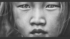 David Terrazas, a portrait, fashion and travel photographer based in Bangkok.Check out 10 Most Enchanting Examples Of Portrait Photography Beautiful Eyes, Beautiful People, Foto Picture, The Face, Old Soul, Many Faces, Interesting Faces, Beautiful Children, People Around The World