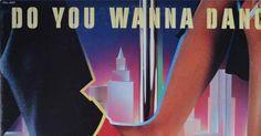 テレビではベストテン番組が花盛りの1983年。あえて角松がやめた〈サマーリゾート路線〉を受け継いだ「杉山清貴&オメガトライブ」がブラウン管に出まくっているころ、当の角松はNYにいた。デビュー時に貼られた「達郎のコピー」のレッテルを剥がしたい、タツローも誰も手をつけていない領域に足を踏み入れることで、自らの独自性を見いだしたい。角松は手当たり次第に先物買いをするようになる。