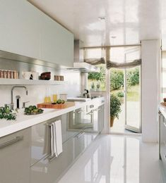 White Marble Floor Kitchen - The kitchen is a room where have meals, people regularly gather to cook, share cups of tea and coffee or have family Marble Floor Kitchen, Kitchen Flooring, Kitchen Backsplash, Backsplash Ideas, Open Plan Kitchen, Kitchen Pantry, Kitchen Decor, Kitchen Ideas, Kitchen White