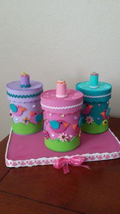 Latas decoradas para el cuarto del bebe Autor: Maritza Burgos