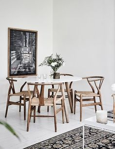 59 Inspiring Scandinavian Dining Room Design for Small Space Dining Room Decor Design Dining Inspiring Room Scandinavian Small Space Dining Room Table Decor, Modern Dining Room Tables, Dining Room Sets, Dining Room Design, Dining Room Furniture, Dining Chairs, Wood Chairs, White Round Dining Table, Furniture Sets