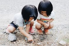 Akira Oozawa Documents The Playful Adventures Of His Twin Daughters   iGNANT.de