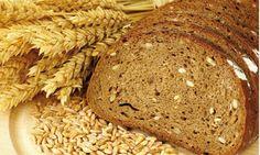 Pane integrale con semi vari. Prediligi i cereali integrali a quelli raffinati, i quali hanno perso gran parte delle sostanze benefiche e possono contenere sostanze aggiunte dannose.