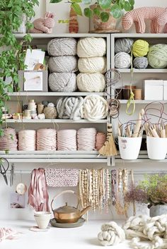 We daydream of a creative space complete with all the supplies we could ever want, displayed in a beautiful, yet functional way. Our fingers are itching for a craft room makeover. Here are 23 awesome craft room ideas we need to steal as soon as possible. Yarn Storage, Craft Room Storage, Craft Organization, Office Storage, Knitting Storage, Knitting Room, Knitting Yarn, Ideas Para Organizar, Sewing Rooms