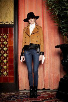Veronica Beard Fall 2017 Ready-to-Wear Collection Photos - Vogue Cool Coats, Veronica Beard, Fashion Show Collection, Autumn Winter Fashion, Fall Winter, Fashion Fall, Yorkie, Ready To Wear, New York