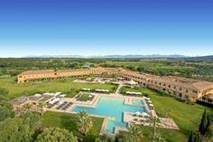 A Dél-Mallorca lenyűgöző vidékén, Palmától 20 perces autóútra található Be Live Collection Son Antem üdülőközpontjában 2 db 18 lyukú golfpálya,...