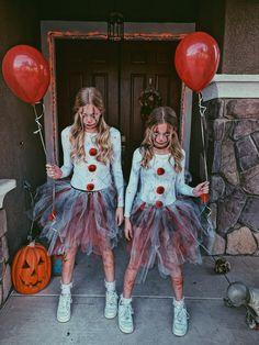 It Clown Costume🎈🤡 Scary Clown Halloween Costume, Cute Clown Costume, Halloween Costumes For Teens Girls, Cute Group Halloween Costumes, Halloween Outfits, Clown Costumes Kids, Diy Halloween, Clown Costume Women, Biker Halloween