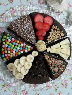 Cute Food, Good Food, Yummy Food, Brownie Pizza, Chocolate Pudding, Frozen Desserts, Breakfast Time, Mini Cakes, Christmas Desserts