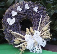 Will look perfect on the front door Lavander, Provence, Handicraft, Flower Arrangements, Christmas Ornaments, Holiday Decor, Spring Decorations, Burlap Wreaths, Flowers
