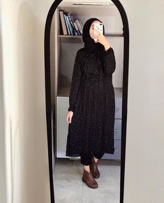 French Fashion Tips eyysma.French Fashion Tips eyysma Hijab Fashion Summer, Modest Fashion Hijab, Modern Hijab Fashion, Street Hijab Fashion, Modesty Fashion, Casual Hijab Outfit, Hijab Fashion Inspiration, Abaya Fashion, Muslim Fashion