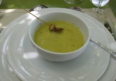 Cream of Broccoli Soup Green Pea Soup, Green Peas, Anderson Split Pea Soup Recipe, Thermomix Canada, Rosemary Recipes, Cream Of Broccoli Soup, Oyster Crackers, Using A Pressure Cooker, Detox Soup
